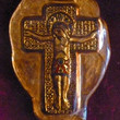 Picture in Focus: Pax of Ariberto Molded Glass Crucifix by Giovanni Reno